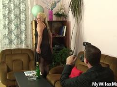 Friend's mom, Mature, Wife, Granny, Fucking, High definition, Young, Old, Mommy, Friend, Girlfriend, Pantyhose, Grandmother